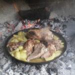 baked meat under peka